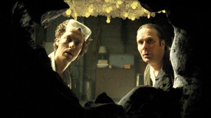 Неуместный человек (2006) фэнтези, драма, комедия, детектив