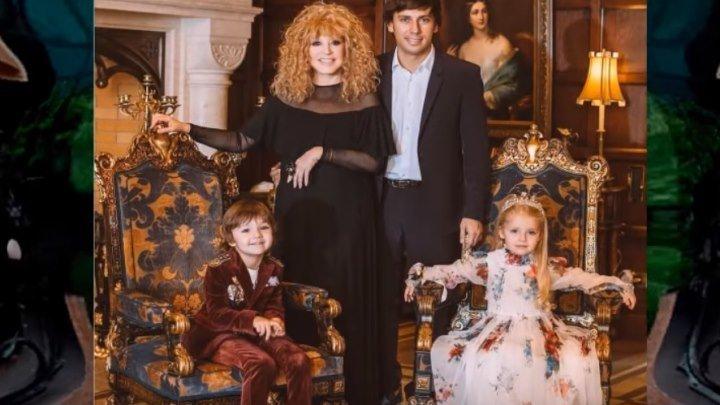 Алла Пугачева играет в спектакле с Лизой и Гарри! Дети Галкина и Пугачёвой