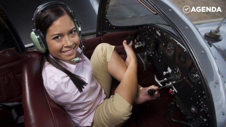 Джессика Кокс — первый пилот без рук
