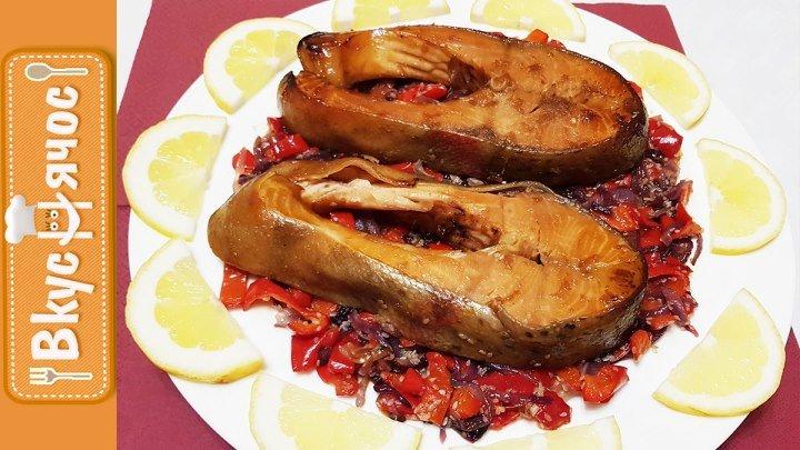 ЗАПЕЧЕННАЯ ФОРЕЛЬ в соево-медовом соусе на овощной подушке