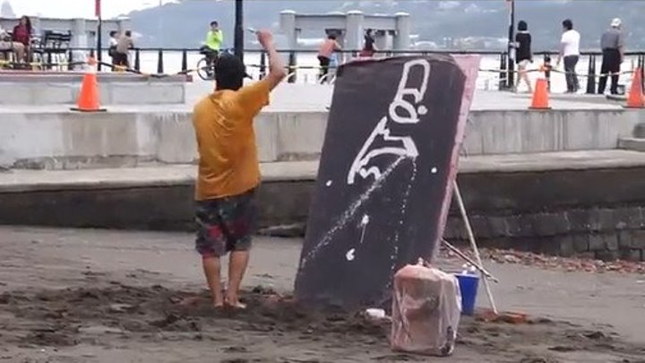 До последнего не понимал, что он вообще рисует..