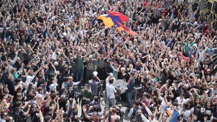 ՄԵՐԺԻՐ սերժին - ԺԱՅԹՔԵՑ ՀՐԱԲՈՒԽԸ/Революция Армении:Армяне никогда не были рабами. И не будут! Единство Армянского Народа
