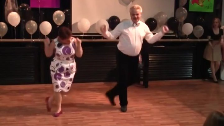 Потрясающе! Танец от души..