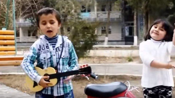 """Таджикский мальчик поет песню из """"Танцор Диско"""". Супер!!!!"""