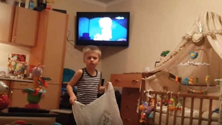 Ребенок 6 лет решил покинуть отчий дом! Ржач!