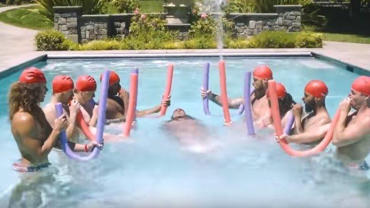 Почему нет мужского синхронного плавания? У них отлично получается!