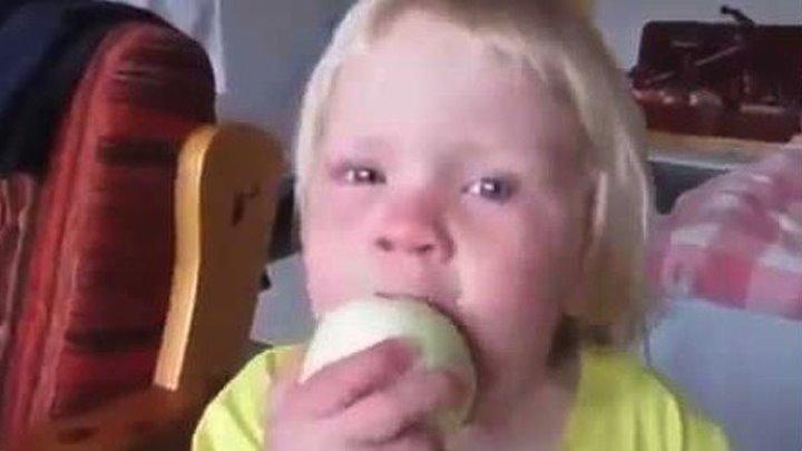 Можно я съем это яблоко؟