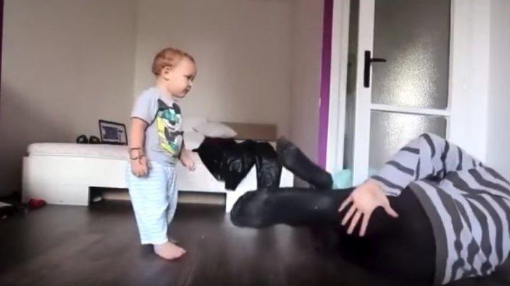 Папа танцует с сыном! Зарядись позитивом!