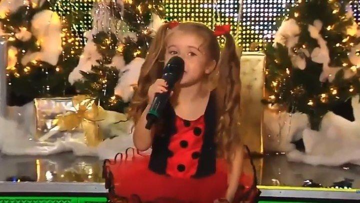 """Соня Гончарова """"А ты меня любишь"""". Маленькая девочка классно поет !"""