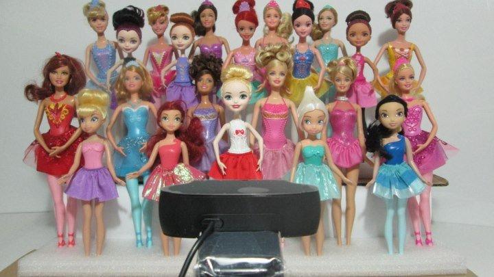 Куклы барби и Принцессы Диснея Готовятся к Дню Рождения Директорши Ютуб