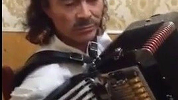 Вот это талант! Как красиво играет на аккордеоне!!!