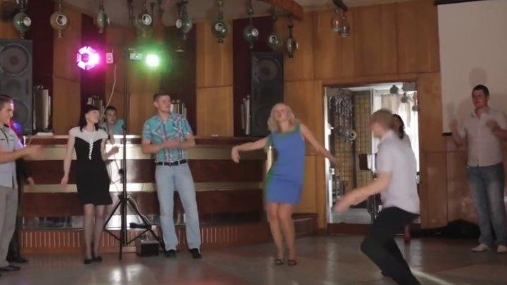 Танцор диско Леха! Парень жжет!
