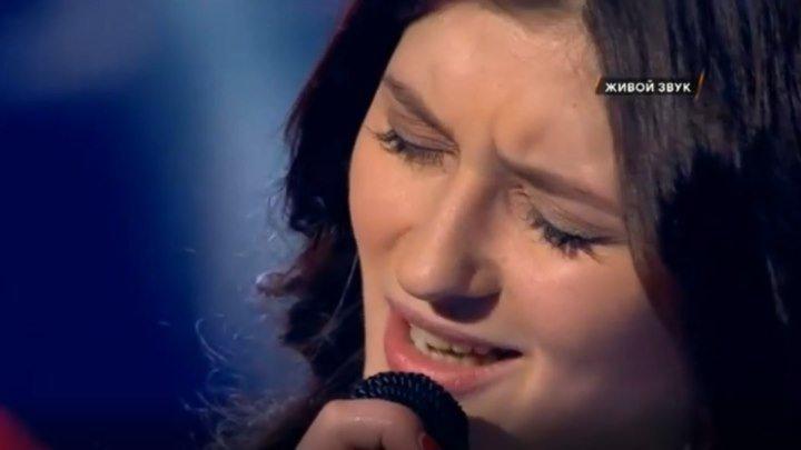 Она запела, и жюри бросилось нажимать кнопки ___БРАВО!!!