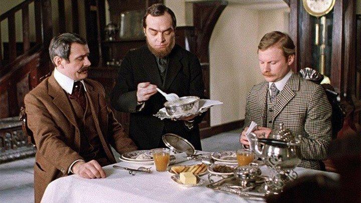 """Самое время пересматривать любимые фильмы. Почти 13 часов кайфа от игры великолепных актеров.""""Шерлок Холмс и доктор Ватсон"""" 1980."""