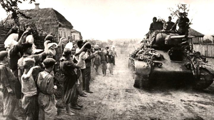 Визволення України. 28 жовтня 1944 року наша земля була звільнена Червоною Армією від гітлерівців!