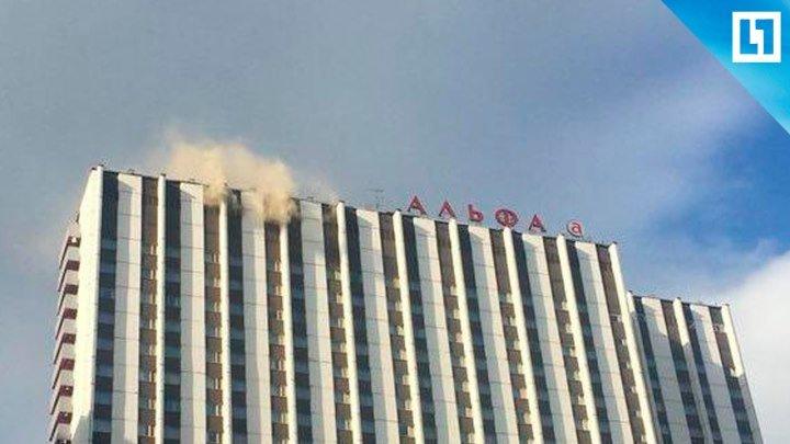 """Гостиница """"Измайлово"""" горит в Москве"""