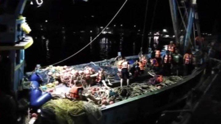 Шансов спасти туристов, пропавших при крушении катера в Таиланде, почти нет