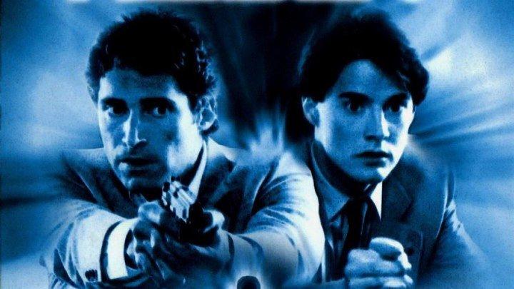 Скрытый враг (фантастический триллер от режиссера хоррор-хита «Кошмар на улице Вязов 2: Месть Фредди» Джека Шолдера с Кайлом МакЛахленом и Майклом Нури) | США, 1987