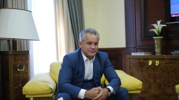Cum a ajuns proxenetul Vladimir Plahotniuc cel mai puternic om din Republic