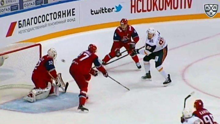 Булирж забивает первый гол в КХЛ