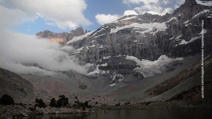 Жесткая посадка в горах: посольство РФ в Душанбе опубликовало список российских альпинистов