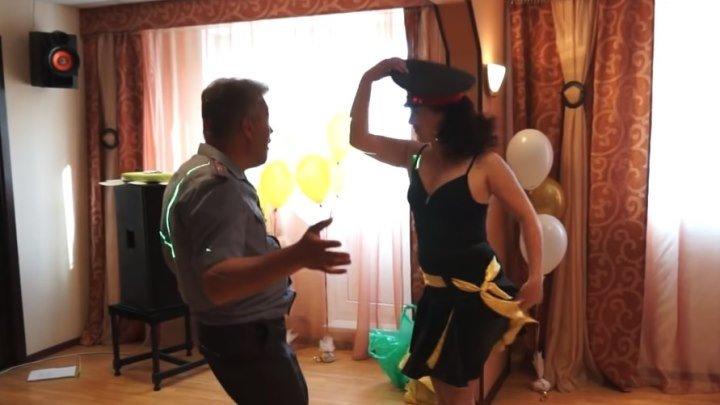 Вот это я понимаю ПАРНЫЙ танец! Родители зажгли!