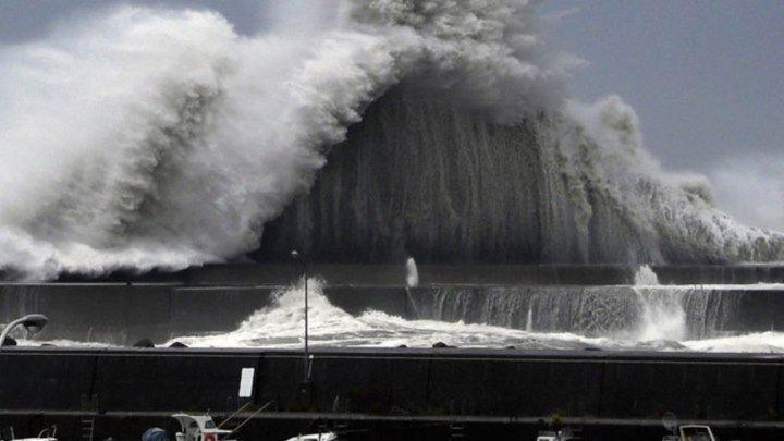 На Японию обрушился сильнейший за 25 лет тайфун