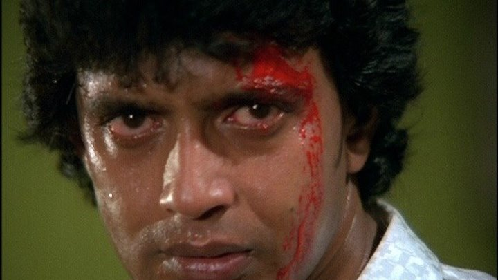 Танцор диско (1983)Боевик, Драма, Мелодрама. Индия.