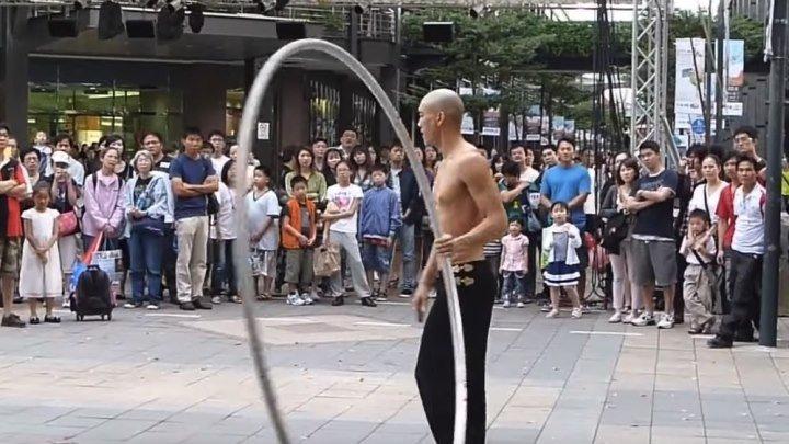 Этот монах вытворяет чудеса!