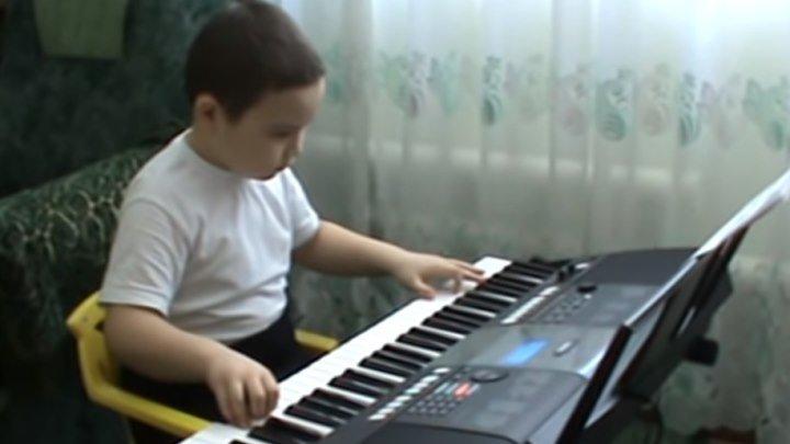 Одинокий пастух на синтезаторе! Мальчику 9 лет!!!
