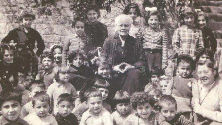 Марии Якобсен у неё не было своих родных детей , но она стала Мамой для сотни армянских детей сирот во время Геноцида