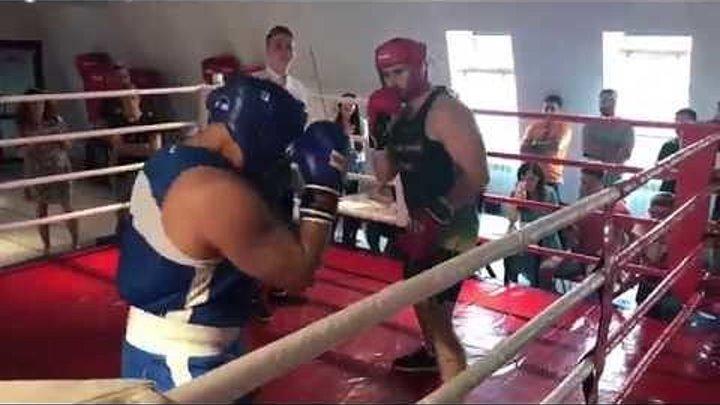 Бокс (бой путешественника), подготовится за месяц к спаррингу с боксёром. Богдан Булычёв