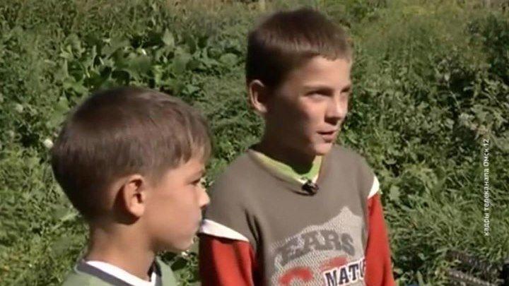 """""""Нас папа поругал, конечно"""": мальчишки спасли из полыхающего дома женщину с детьми"""