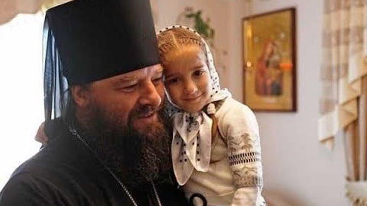 O gură de Rai - Mănăstirea Bănceni: miracolele se ţin lanţ, iar oamenii par atinși de rai!