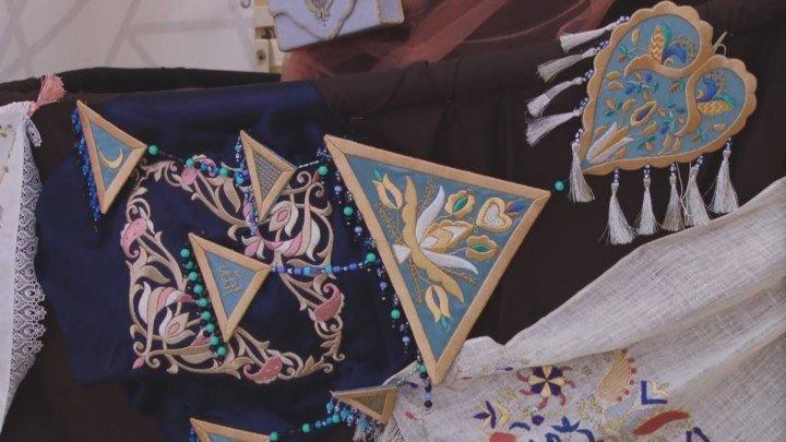 В Акмесджите открылась выставка крымскотатарского декоративного искусства