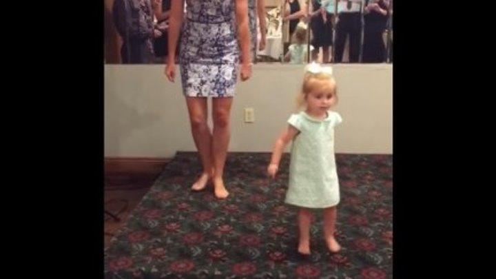 🔴 Круто, 2-летняя девочка танцует ирландский танец