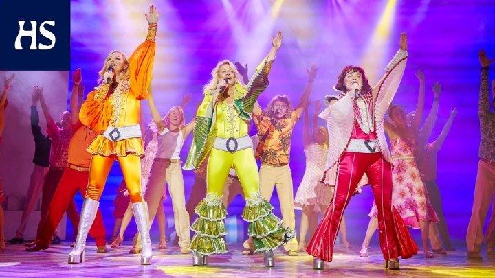 Именно так танцевали на дискотеках в 80-х и 90-х. Это надо видеть 😄