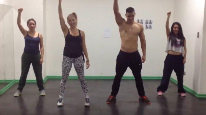 Кто же лучше танцует? Парень или девушки?
