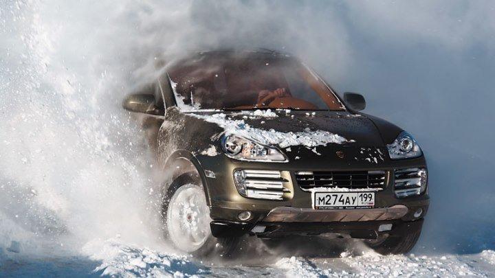 Уроки зимнего экстремального (контраварийное) вождения в автошколе БЦВВМ для начинающих и опытных. Барнаул Алтай