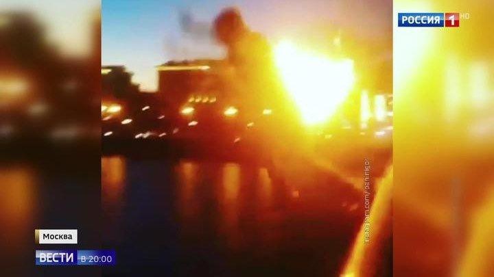 Полиция проверяет снимавших огненное сальто в Москва-реку