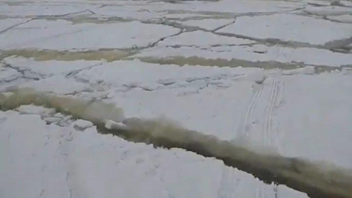 И рыбки не захочешь! Неожиданная волна во время зимней рыбалки