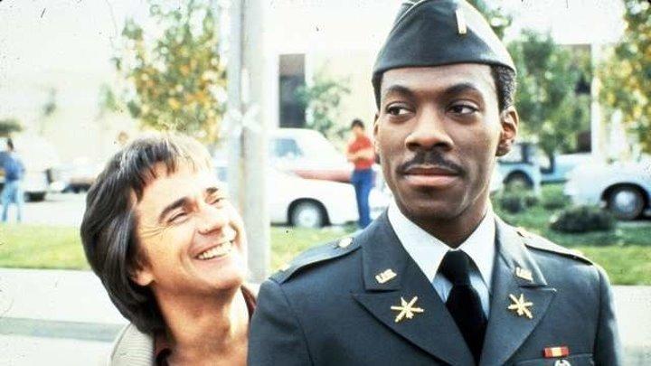 Лучшая защита - нападение (комедия времен «холодной войны» с Дадли Муром и Эдди Мерфи) | США, 1984