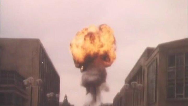 Коллекция телевизионных художественных фильмов о ядерной войне. «Нити» - телевизионный фильм о ядерной войне,снят режиссёром Миком Джексоном для телекомпании BBC в 1984 году.