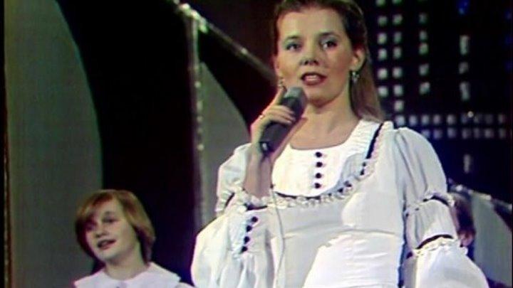 Людмила Сенчина и Большой детский хор ВР и ЦТ. Камушки