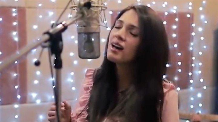 """Замечательная Рождественская песня """"Знаешь ли ты?"""". Поёт Дарина Кочанжи"""