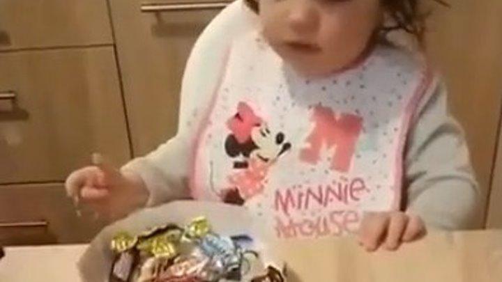 Какая прелесть. Ребенок, который не любит сладости.