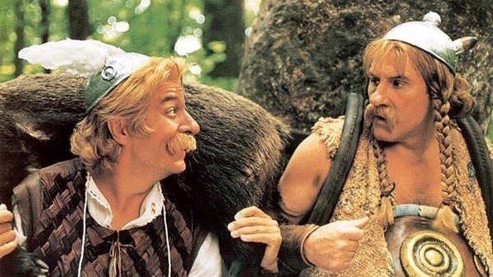 Астерикс и Обеликс против Цезаря. фэнтези, комедия, приключения