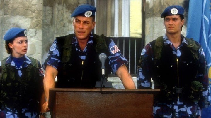 Уличный боец Street Fighter (1994). фантастика, боевик, комедия, приключения