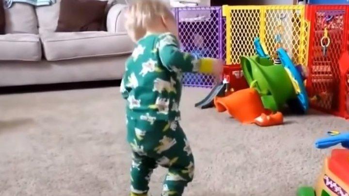 Дети танцуют лучше всех!!!