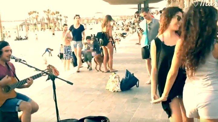 Девушки просто не смогли удержатся от танца под Despacito!!!